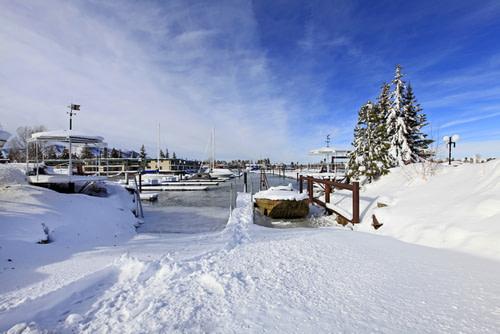Boat lounge-snow-autumn