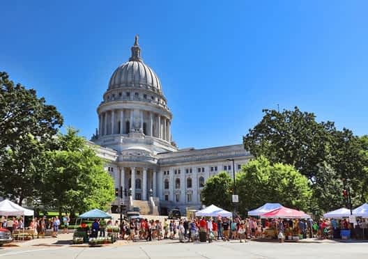 usa cities with best farms markets for visitors to usa